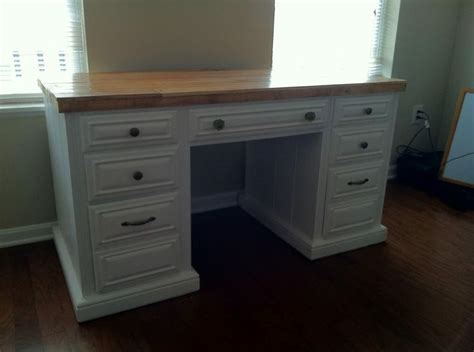 white desk with wood top white desk with a pallet wood top the reclaimed wood