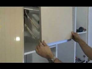 Colonne D Angle Cuisine : montage d 39 une cuisine armoire four colonne complexe youtube ~ Teatrodelosmanantiales.com Idées de Décoration