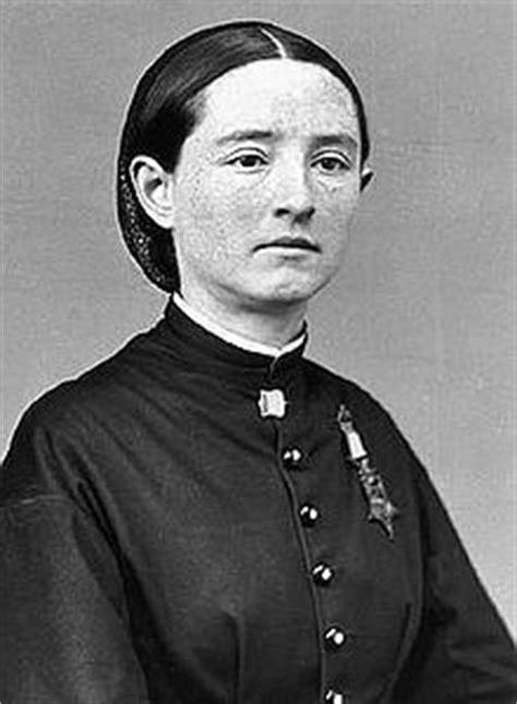 female surgeon  civil war physician mary walker america  alive
