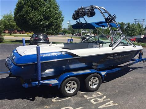 Sanger Wakeboard Boats For Sale by 2007 Used Sanger V215 Ski And Wakeboard Boat For Sale