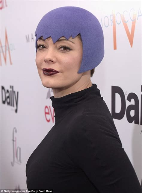Rose McGowan joins the coloured hair trend... but just for ...