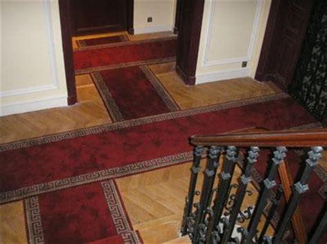 tapis de passage pour escalier et couloir louvre