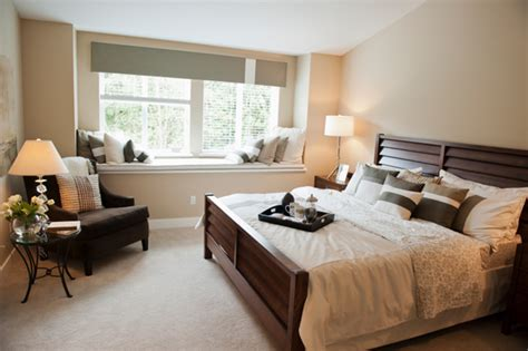 making  spare bedroom  inviting guest room