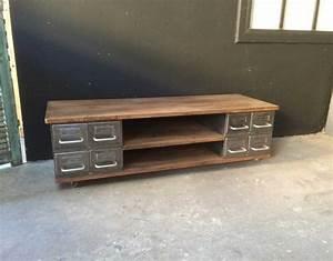 Meuble Tv Casier Industriel : meuble tv industrielle ~ Nature-et-papiers.com Idées de Décoration