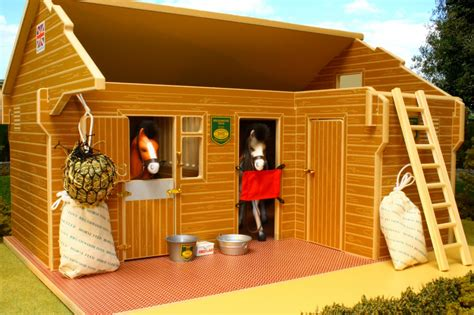 Brushwood Toys Equestrian Centre Wooden Stable Bt1000
