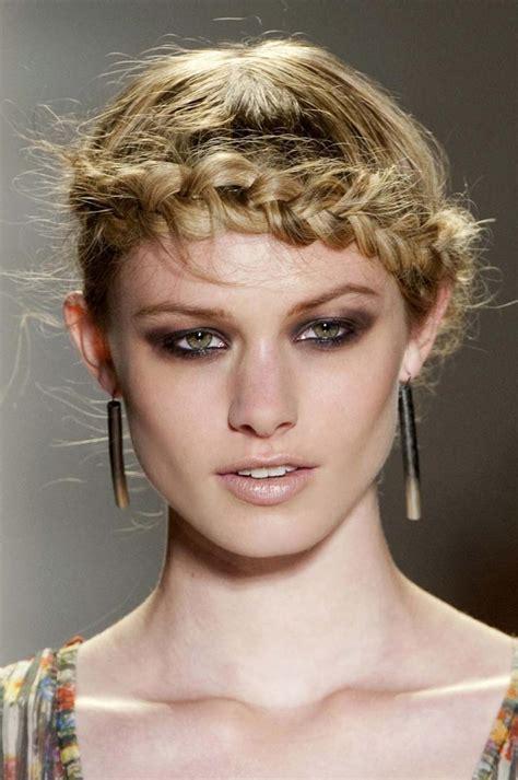 modne warkocze emerson warkocze fryzury  najmodniejsze fryzury  warkoczami moda