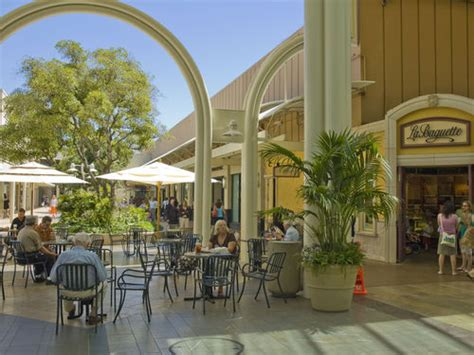 Stanford Shopping Center Reviews