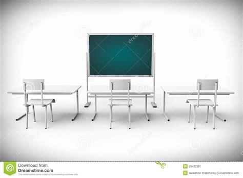 tableau de bureau salle de classe vide avec le tableau noir et le bureau