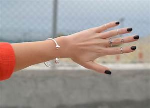 Would You Wear This Jewelry Trend Top Knuckle Or QuotMidi