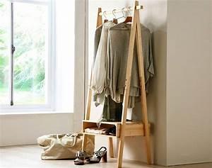 Fabriquer Un Dressing En Bois : les 25 meilleures id es concernant portant bois sur ~ Dailycaller-alerts.com Idées de Décoration