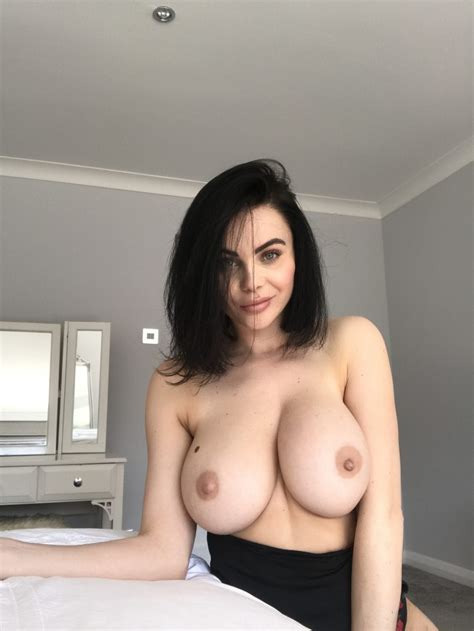 Emma Glover Nude And Sexy 22 Photos Thefappening