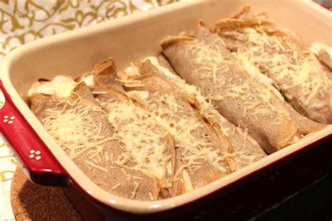cuisiner les poireaux recette galettes de sarrasin fourrées à la béchamel pour ceux