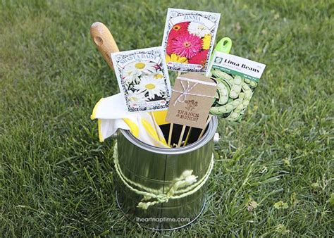 25 Gardening Gifts She'll Love