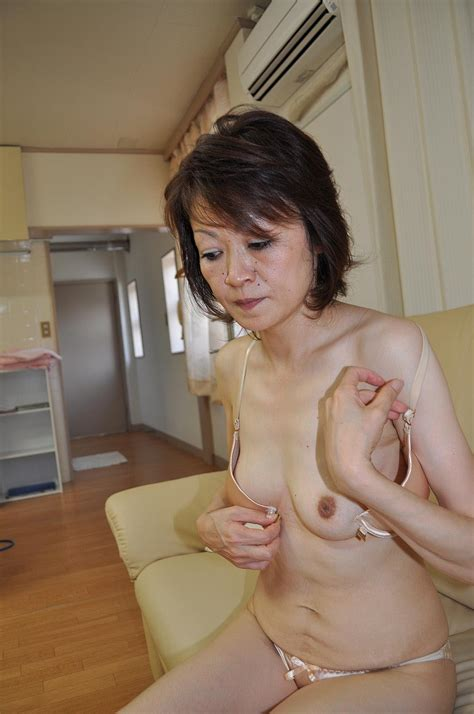 White Dressed Granny Takako Kumagaya Gets Fingering And Pounding By Sexy Guy Asian Porn Movies