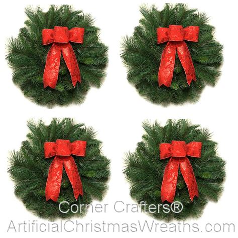 mini deluxe traditional christmas wreath