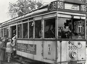 öffentliche Verkehrsmittel Leipzig : berlin 1945 strassenbahn nach schoeneweide berlin ~ A.2002-acura-tl-radio.info Haus und Dekorationen