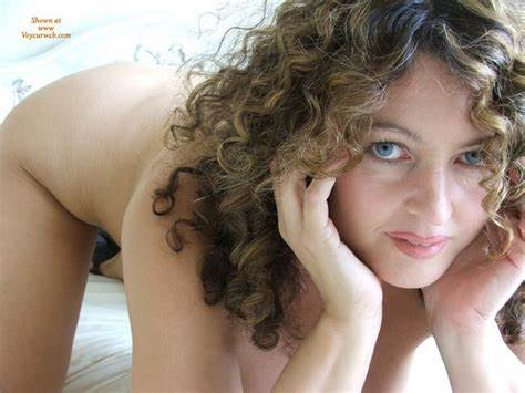 Curly Adorable Yellow Looks Up With Seductive Blonde Hair Daughter Porn