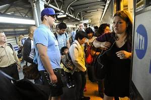 Riders find few delays on first day of Penn Station track ...