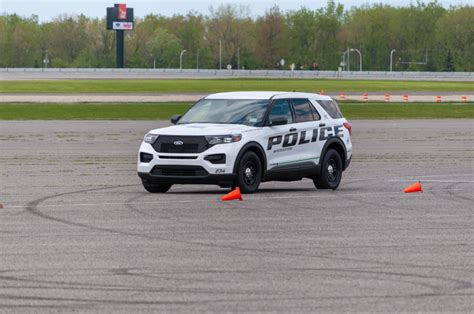 officers weigh    ford police interceptor utility
