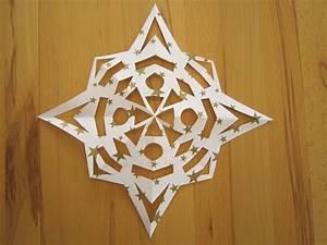 Sterne Aus Papier Falten : schnittstern kreative sterne aus papier basteln ~ Buech-reservation.com Haus und Dekorationen