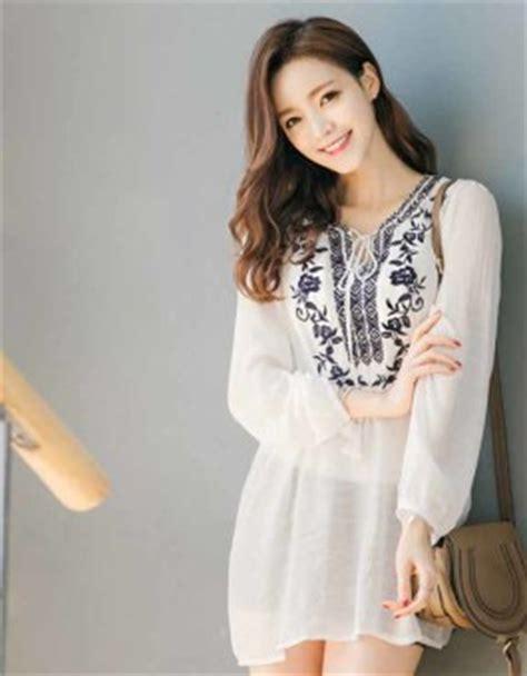 baju murah 340 baju atasan putih motif cantik modis jual model
