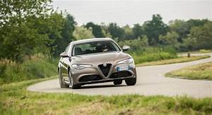 Essai Alfa Romeo Giulia : alfa romeo giulia essai video 2016 giulia joue les romeo auto moto magazine auto et moto ~ Medecine-chirurgie-esthetiques.com Avis de Voitures