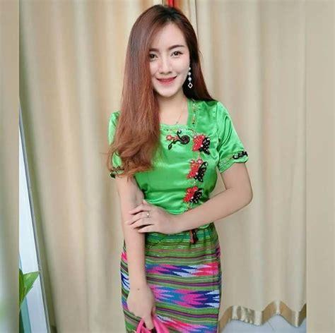 ปักพินโดย Cold Coolone ใน สาวไทยใหญ่   ผ้าไหม