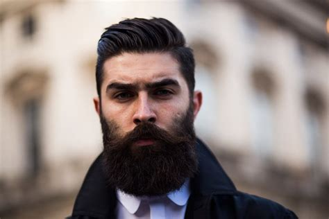 5 Modern Boxed Beard Styles to Emphasize Your Face