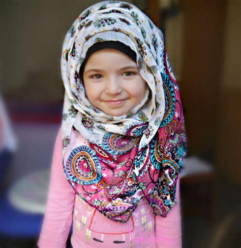 girl wearing  cute hijab beautiful people pinterest girls niqab  fashion muslimah