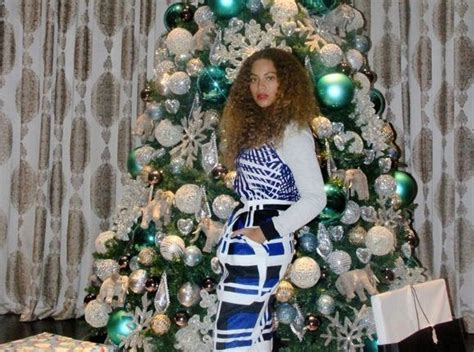 beyonce salutes kelly clarkson whitney houston mariah carey more with christmas playlist