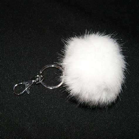 porte cl 233 s pompon fausse fourrure blanche porte cl 233 s