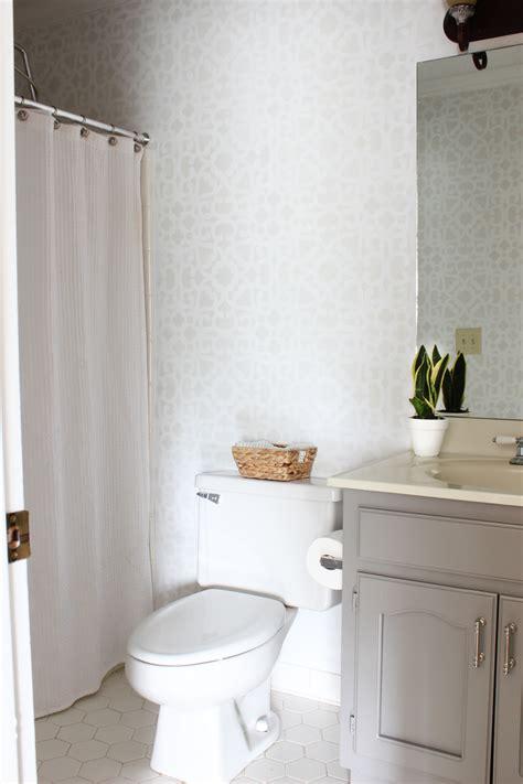 Bathroom Makeover Stenciled Walls   Giveaway