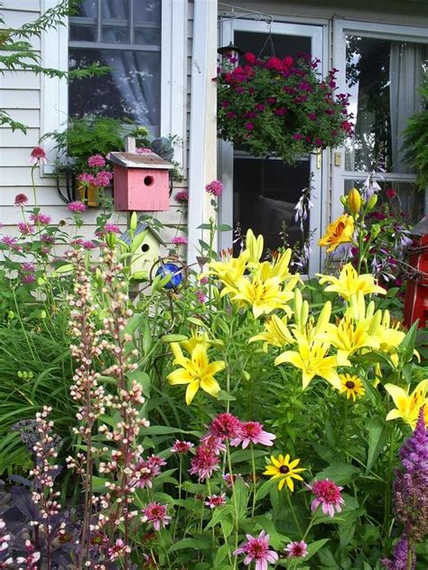 Photo Perennial Cottage Garden