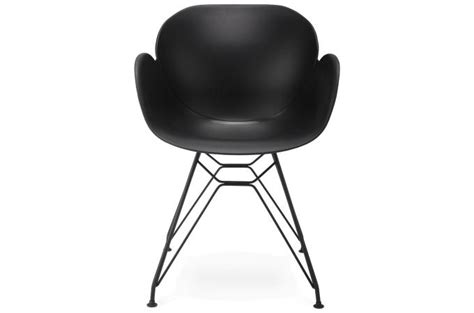chaise plastique noir chaise design en plastique noir design sur sofactory