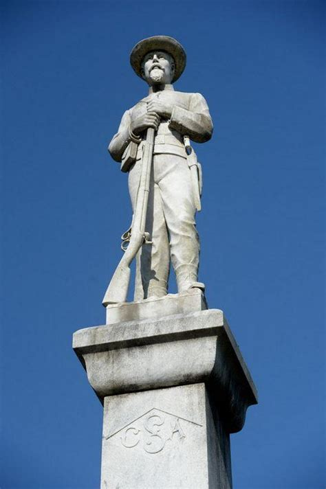 lakeland  hold meeting  confederate soldier statue