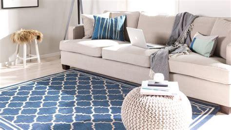 canape cuir buffle solde tapis raye bleu et blanc hoze home