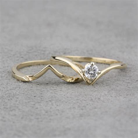 pre owned 14 karat yellow gold diamond engagement set