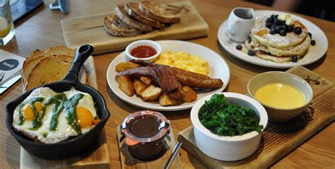 breakfast vancouver spots vancitybuzz downtown places weekday