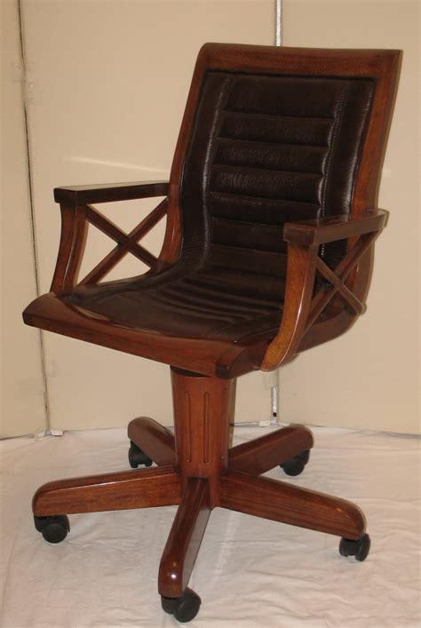 fauteuil de bureau pivotant fauteuil de bureau en bois pivotant sous chaise bureau lepolyglotte
