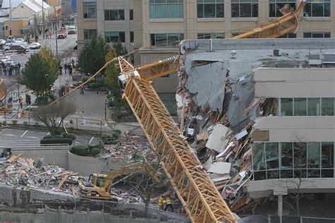 construction accidentcrane collapse kills  injures