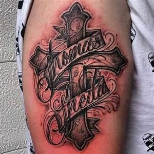 Kreuz Tattoo Oberarm : die besten 25 jesus am kreuz tattoo ideen auf pinterest kreuz tattoo am handgelenk ~ Frokenaadalensverden.com Haus und Dekorationen