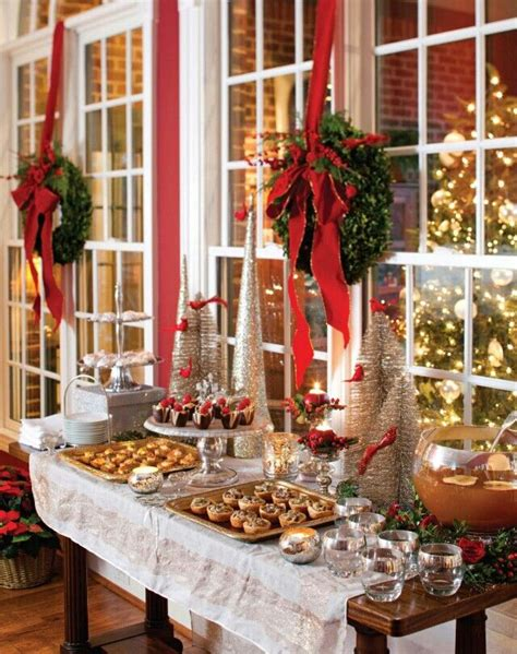 christmas dessert table love  wreaths christmas