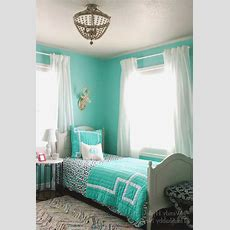 The Awesome Mint Colored Bedroom Ideas For Your House