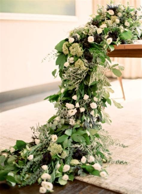 62 Stunning Lush Greenery Wedding Table Runners