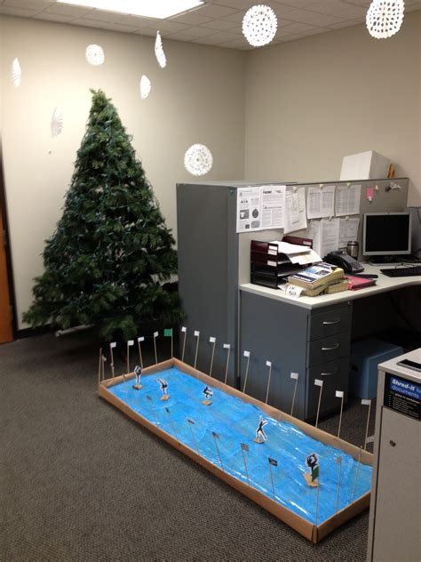 attractive office christmas decoration ideas