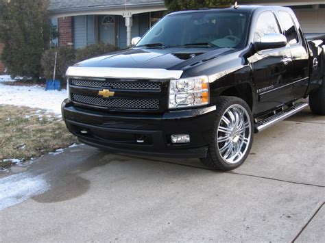 chevy silverado on 24 quot 2014 chevy silverado on 24s www imgkid the image