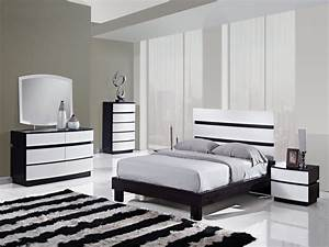 Dark wood bedroom furniture sets, black and white bedrooms ...
