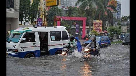 banjir  pusat kota tasikmalaya  diduga warga akibat