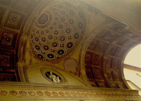 L Interno Della L Interno Della Loggia Della Cappella Dei Pazzi Di Firenze