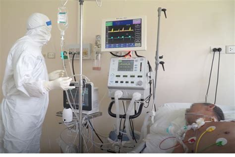 Bệnh nhân có sử dụng thuốc mua tại nhà thuốc tây, tình trạng diễn tiến nhẹ, không tăng thêm. 15 bệnh nhân Covid-19 rất nặng, tiên lượng tử vong